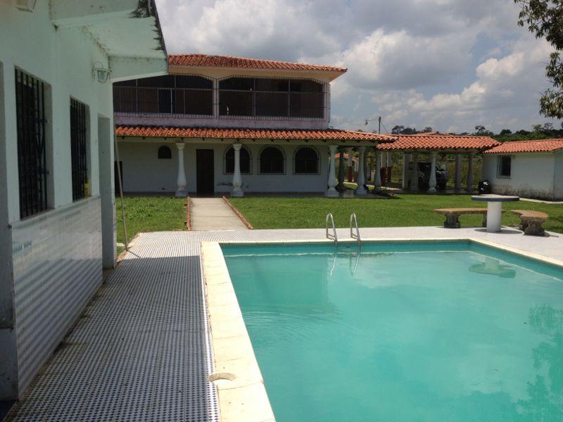 Casas para alquilar for Alquiler de piscinas