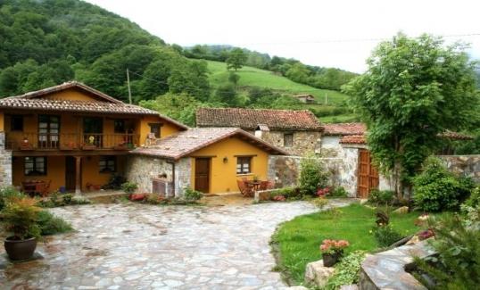 Casas rurales en asturias for Planos de casas rurales