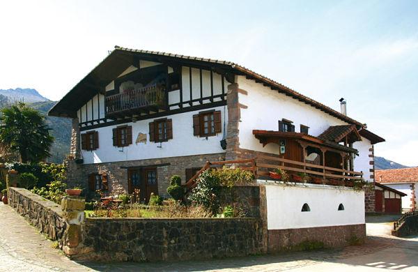 Casas rurales navarra planos arquitectonicos - Casa rural en rupit i pruit ...
