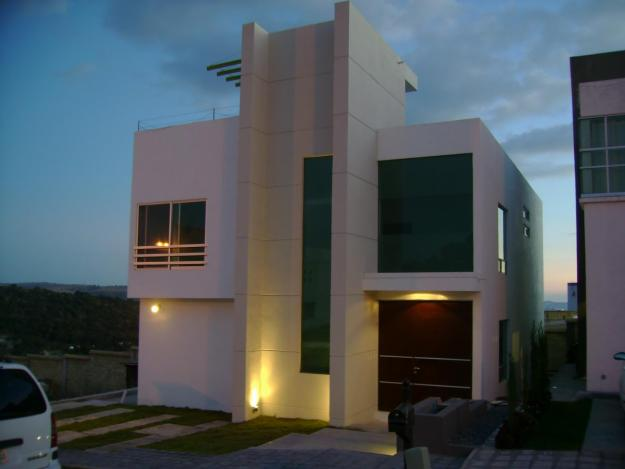 Fachadas de casas de 2 pisos for Casas dos plantas minimalistas