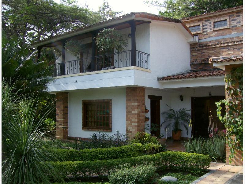 Venta de casas en cali for Casas en ciudad jardin cali para la venta